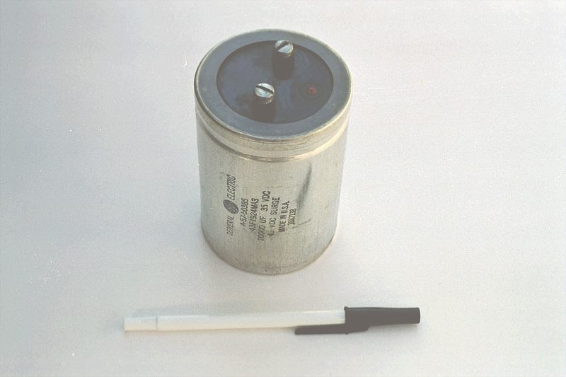 practical considerations capacitors capacitors electronics rh allaboutcircuits com Electronic Circuit Components 10 UF 250VAC Capacitor